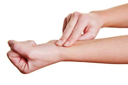 Fingerspitzengefühl gefragt! (© Robert Kneschke - Fotolia.com)